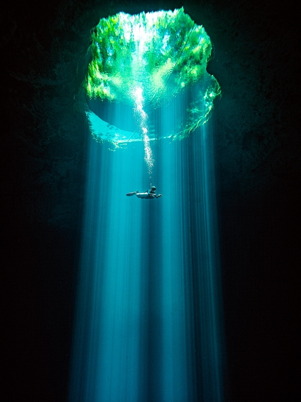 DEEP Indonesia 2019 Winning Image by Tom